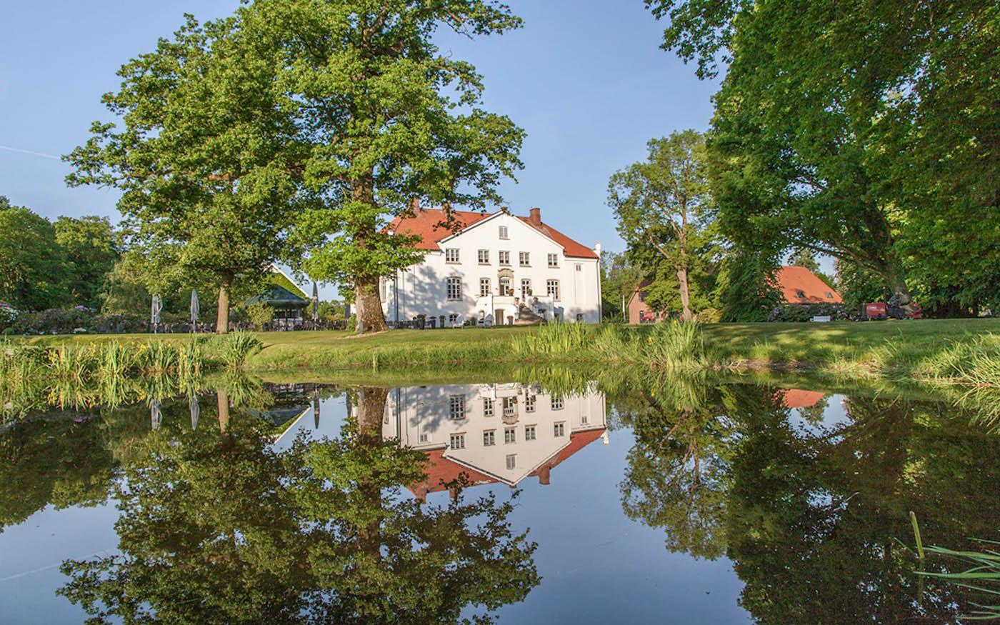 See und Haus von Gut Kaden